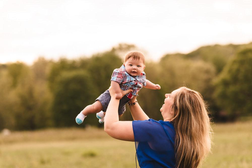 Lifestyle-Photographer-Columbus-Ohio-Family-Photography-Erika-Venci-Photography