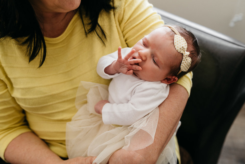 Grandma-with-newborn-grandaughter-Columbus-Ohio-Photographer-Erika-Venci-Photography