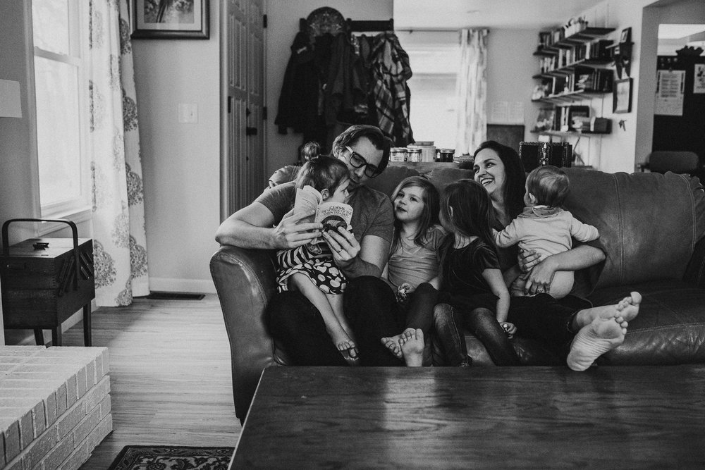 Family-In-Home-Lifestyle-Photographer-Columbus-Ohio