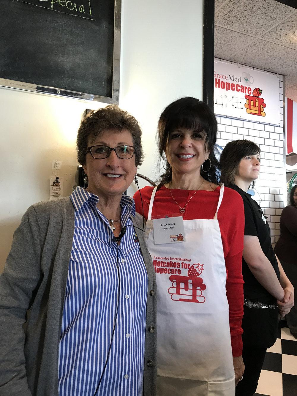 Linda Davidson, owner of Jimmie's Diner, with Susan Peters