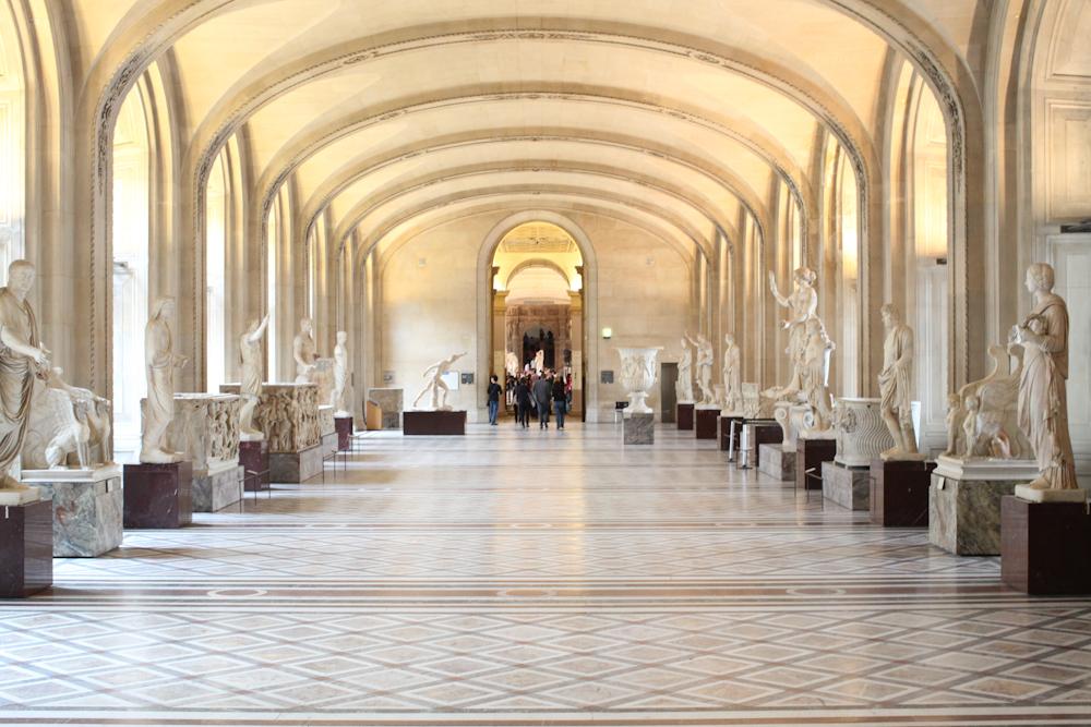 6-Louvre+Hall.jpg