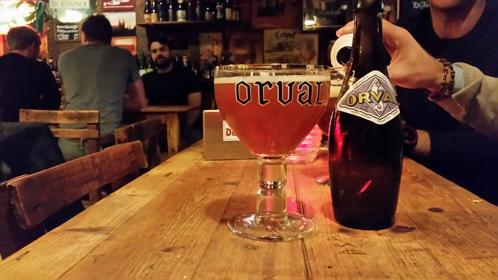 Cafe Gollem'de Orval queyfi