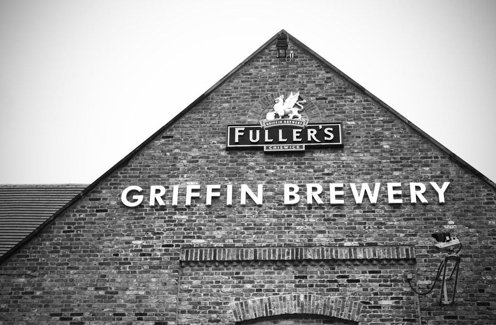 Griffin Brewery ve logosunda yer alan mitolojik efderha (Griffin). Fuller's ismiyle beraber tescilli.
