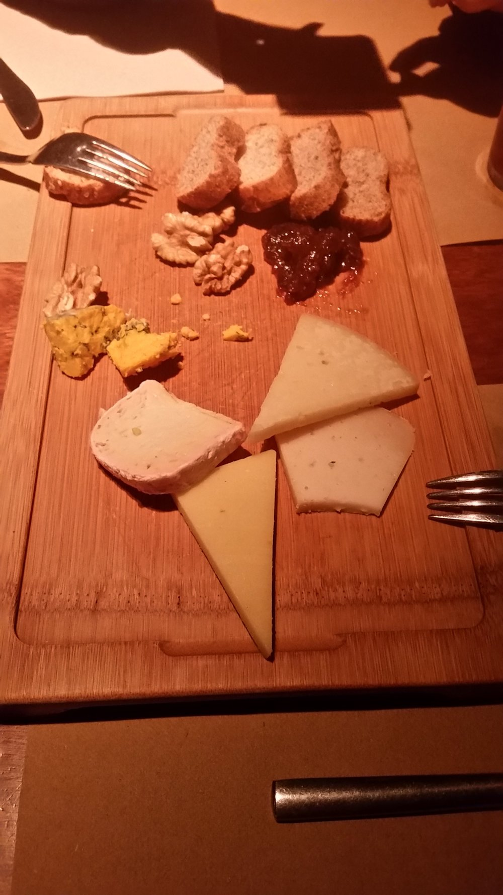 cheese-platter-ale&hop