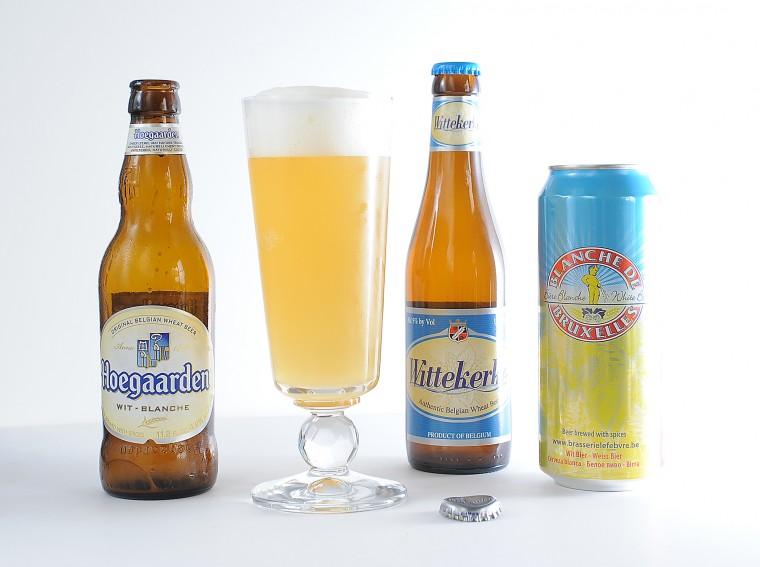 Bir dizi Belgian Wit türü biraya örnek, ya da portakallı bira diye de biliniyor aromasından ve servis şeklinden dolayı: Hoegaarden, Wİttekerke, Blanche de Bruxelles soldan sağa