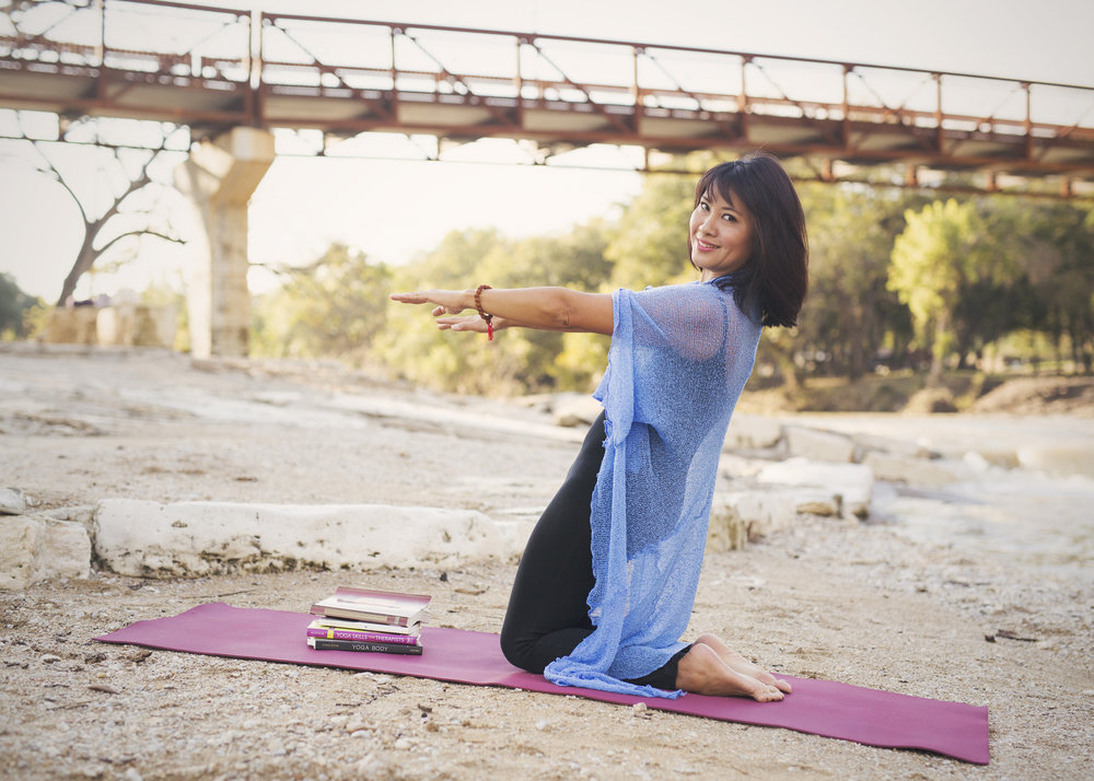 I have managed sacroiliac and low back pain, insomnia, anxiety and overall stress, and helped people improve their own well-being through Yoga-based practices.