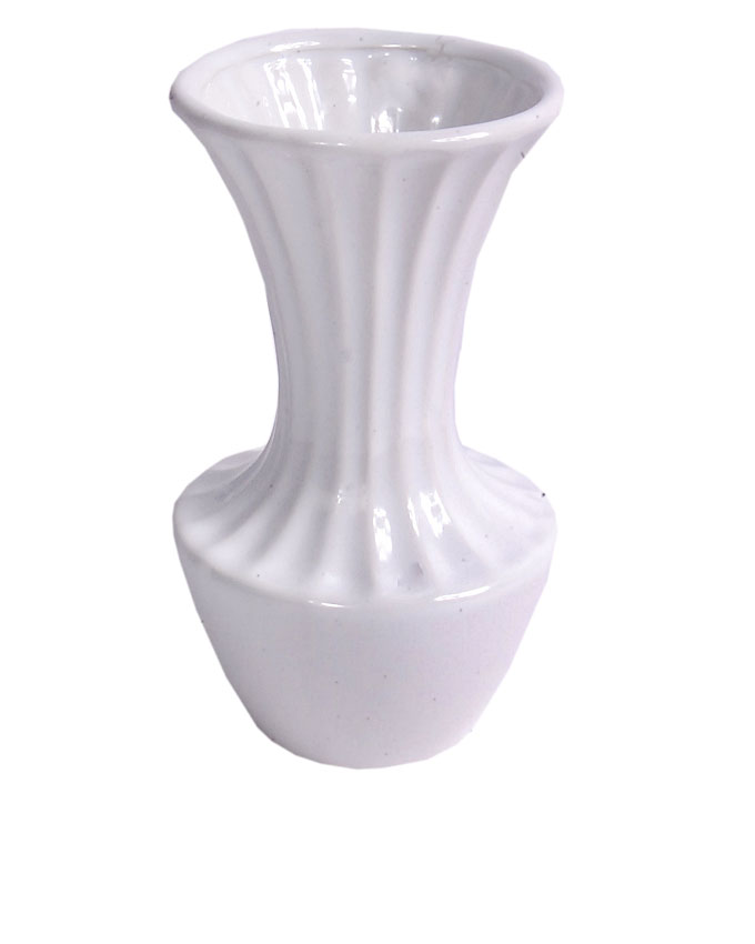 new    malie white ceramic vase - 17cm   n3,000