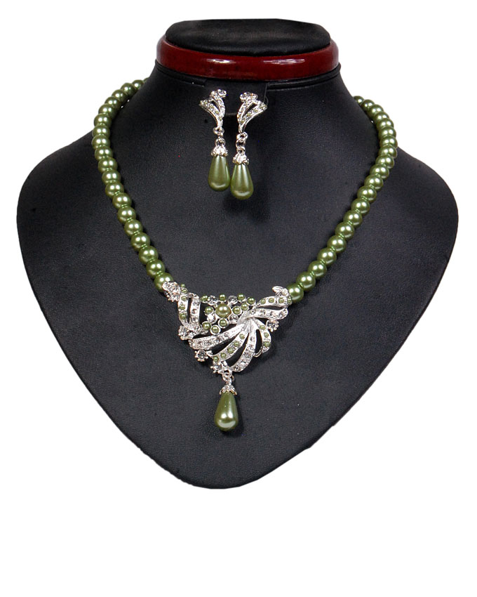 new    dorchester pearl set - temple green   n2,500