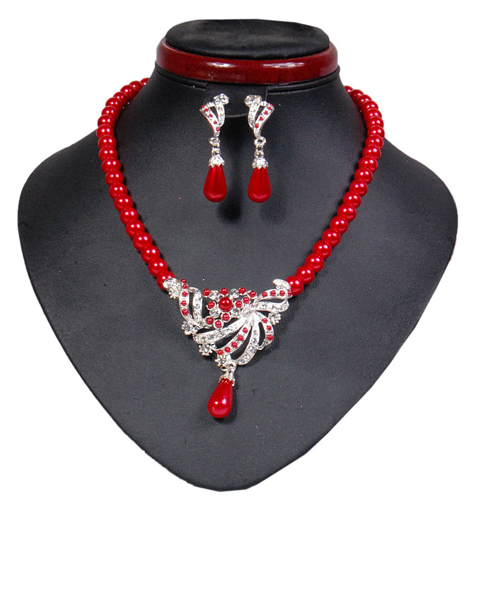 new    dorchester pearl set - red ( sold out)   n2,500