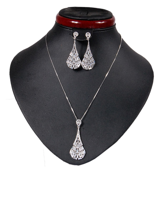 new item no an00479    fenleys silver jewelry set   n12,500