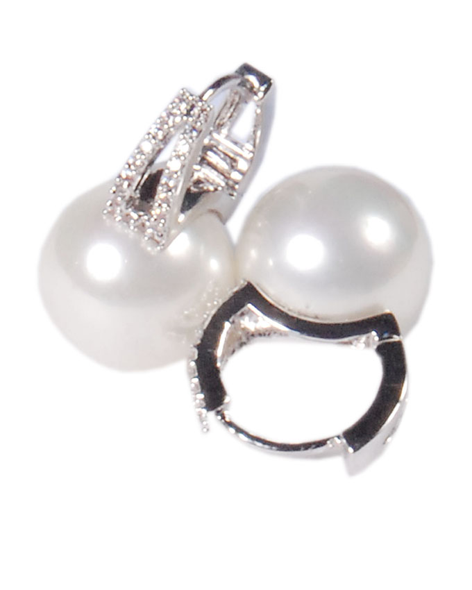new item no kd00602a8z    clifton pearl earrings   n6,000