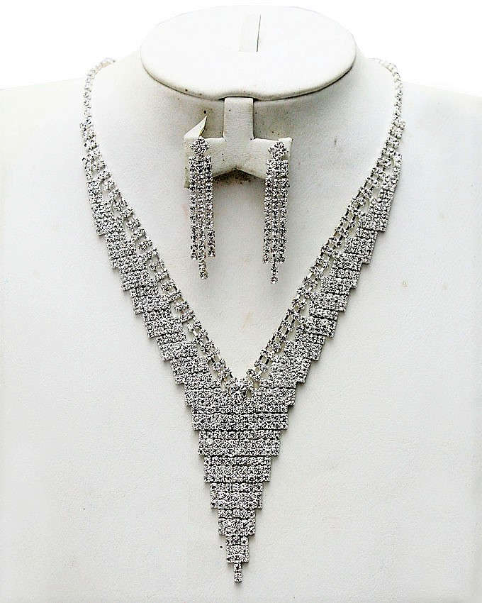 serati necklace and earrings set - 2 piece   n9,000