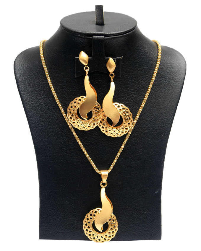 trumpet jewelry set GOLD - 2 piece   n2,500