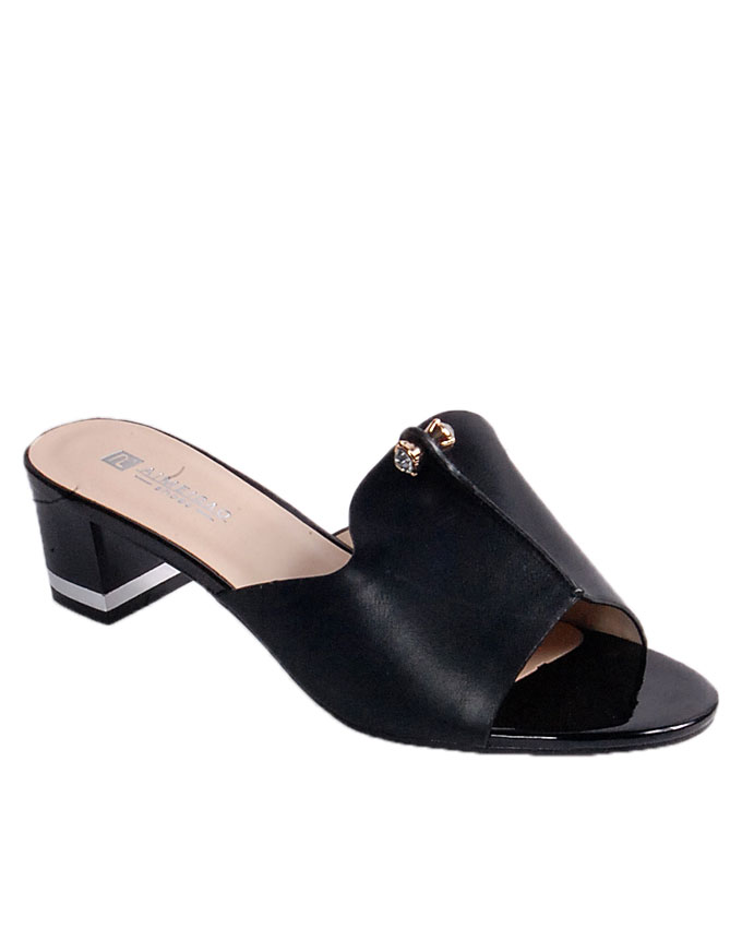 slipper with small pin stud detail - black   uk 6.5 / 40  SOLD OUT   n24,000
