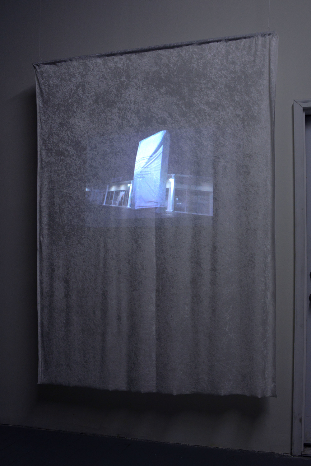 Learn to love a white sheet   Mika Agari  Video performance, projected on velvet  2015