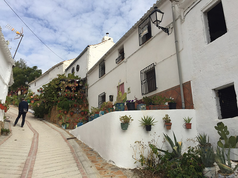 The very steep Calle Amargura