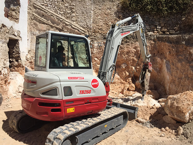 Serious machinery is needed for 'la roca'