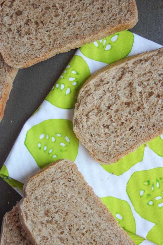 Delicious recipe for white whole wheat sandwich bread! And it's vegan! http://www.littlecityadventures.com/2015/09/recipe-vegan-white-whole-wheat-sandwich.html