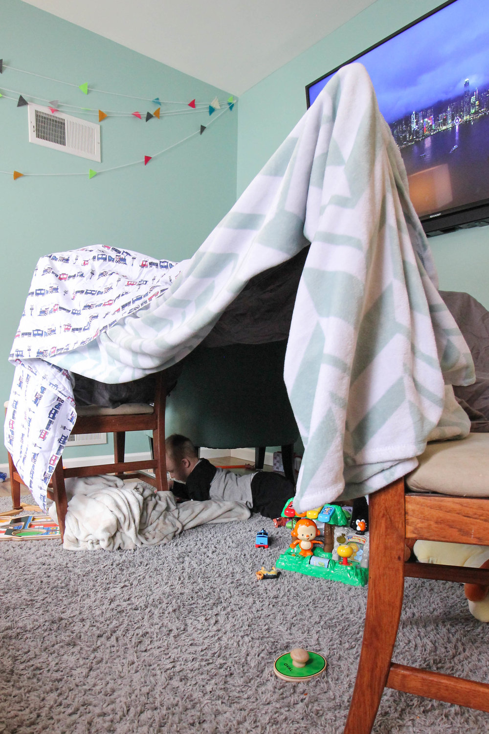 #forts are a great #activity for you and your toddler to do together when it's too #cold to #play #outside!