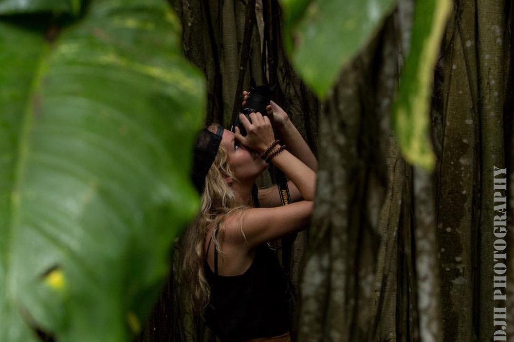 A capture of a capture, Kawela Bay, Canon 6D, 70-200 L, f.7.1, 1/200, ISO 400