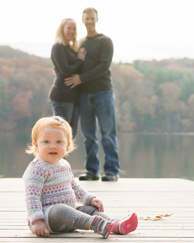 You guys, I am reeling over this sweet girl's 1st birthday shoot last weekend at Lake Williams! I am so lucky to live right across the street from such beautiful souls ❤️ Love you neighbors!!! #1stbirthday #1yearold #sweetgirl #littlelove #family #familyphotos #familyphotography #familysession #fall #fallphotos #familyfun #maewood #maewoodphotography