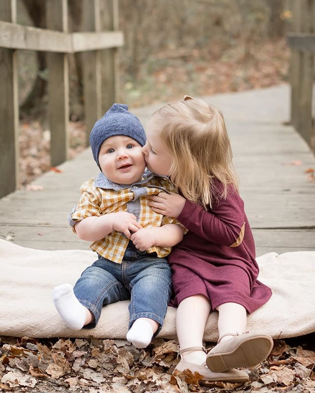 I just can't get enough of my fall session with these two cuties (and their parents, @sarahmariewelsh & @nwelsh24, not pictured)! We had so much fun hiking up to Kilgore Falls in northern Harford County, MD! #family #siblings #siblinglove #bigsister #littlebrother #kisses #fall #fallphotos #familyphotos #kilgorefalls #familyphotography #maewood #maewoodphotography