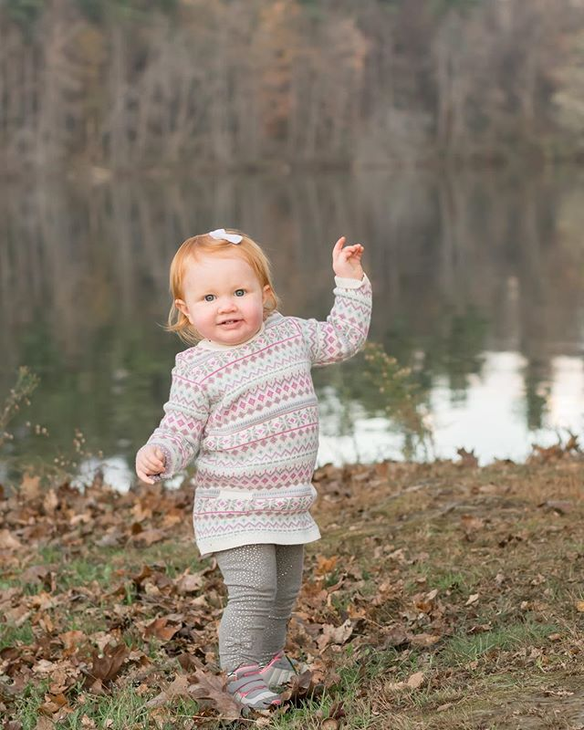 Happy Hump Day! Here's hoping your Wednesday is filled with as much laughter and joy as little miss Savannah here! #humpday #smiles #smilesfordays #one #1yearold #1stbirthday #joy #fall