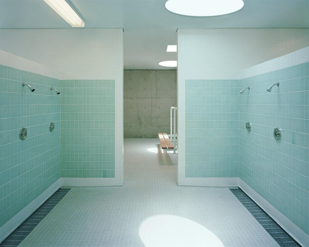 05-cerritos_shower_rm_hi.jpg