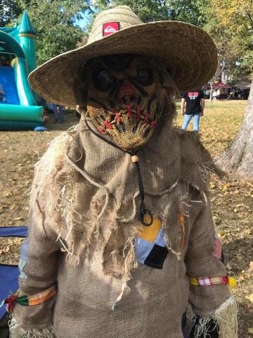 halloween scarecrow.jpg