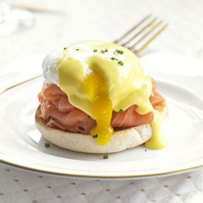 Eggs Benedict & Smoked Salmon - Cook & Bakeware