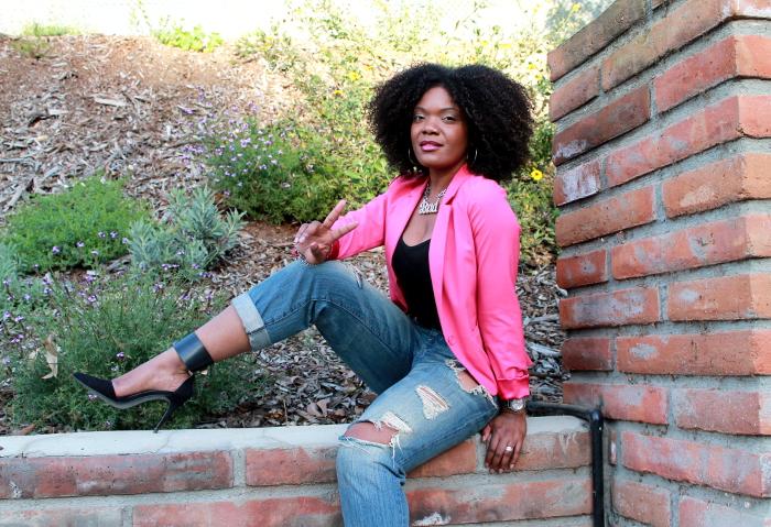pink blazer-boyfriend jeans-crop top-natural hair 4