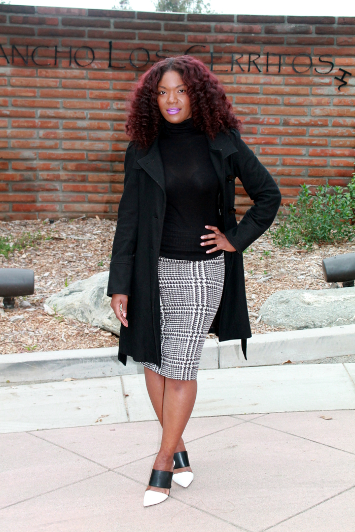 Fall outfit - black turtleneck & houndstooth skirt