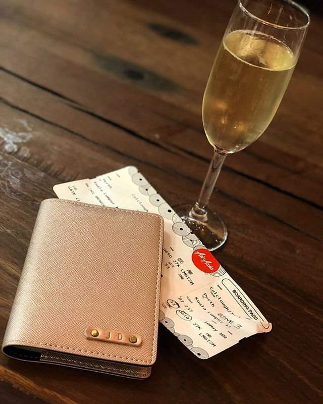 Obligatory airport champers 🥂🍾 PER   KUL bound 💁🏼✈️ #julesncotravels #klbound #minibreak #wanderlust #travelholic