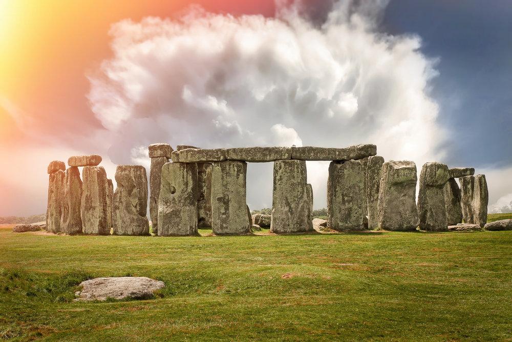 stonehenge-2287980_1920 alien skin edit.jpg