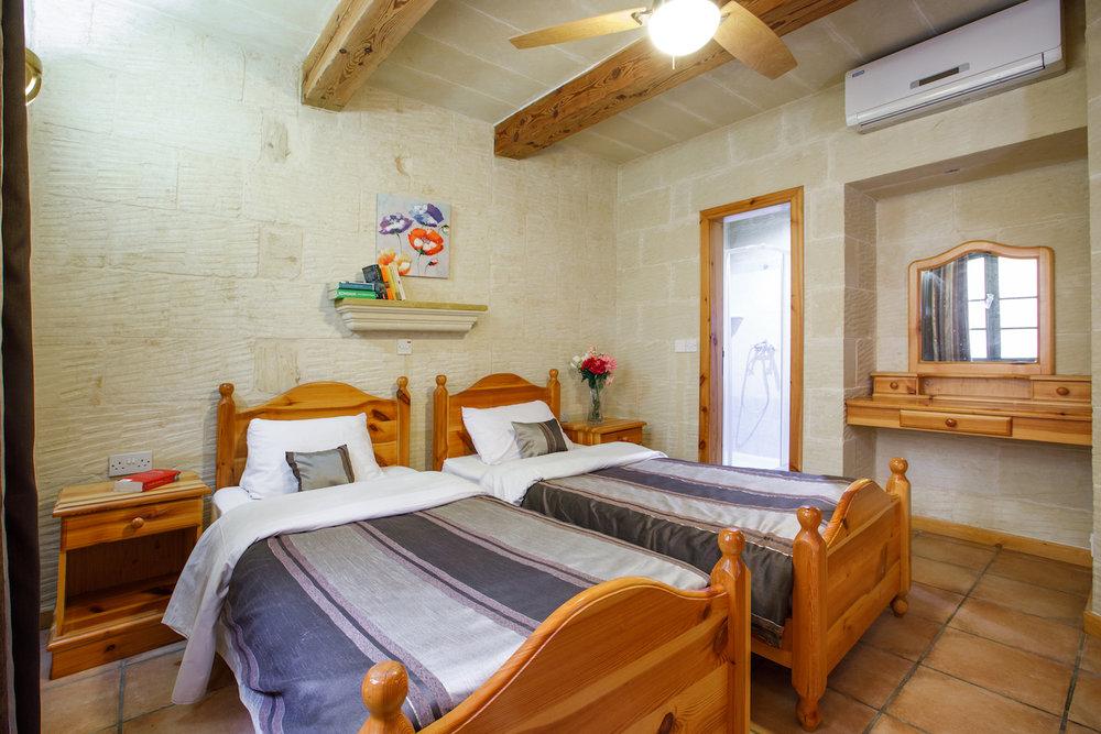Twin bedroom no.3 with ensuite bathroom