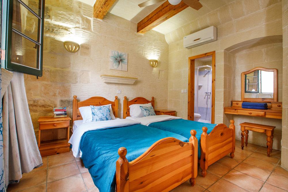 Single bedroom no.1 with ensuite bathroom