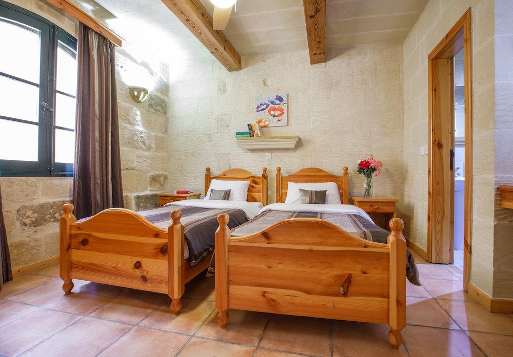 Single bedroom no.3 with ensuite bathroom