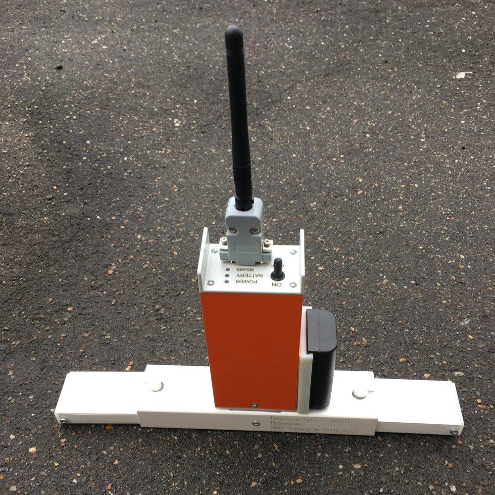 Рис. 1. Приемник ГРОТ 12Н с антенной   Wi-  Fi и антеннами 0.2м.