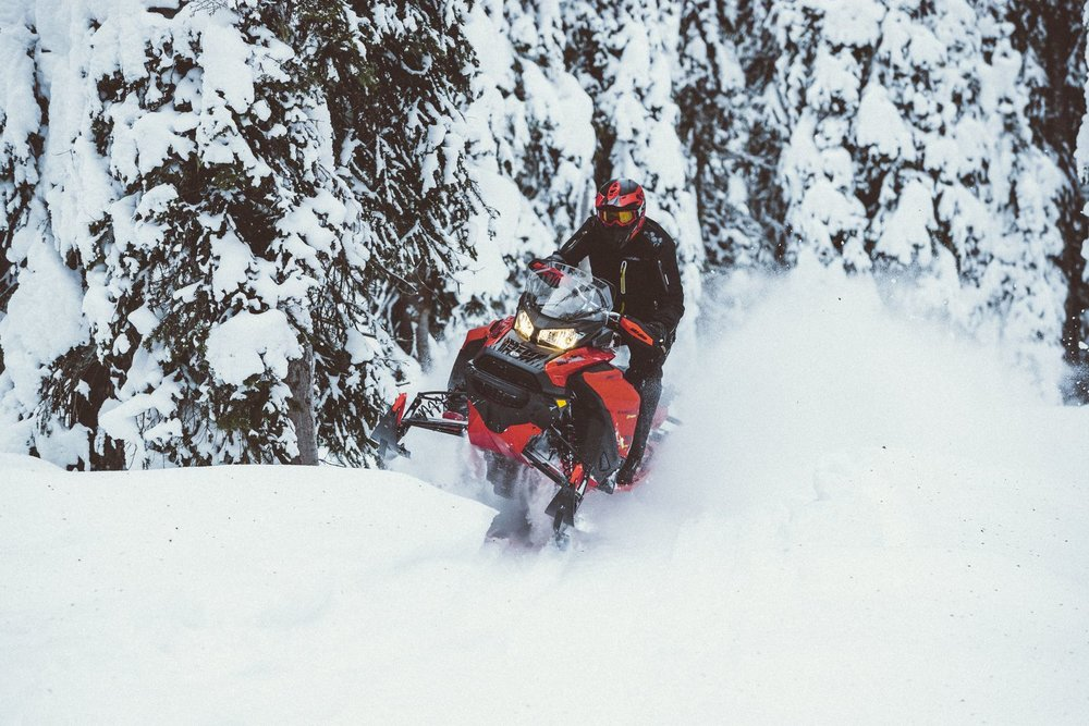 Ski-Doo 2020_Expedition_Extreme_Action_MY20_JW_24611_R2_RGB-1600x1600.jpg