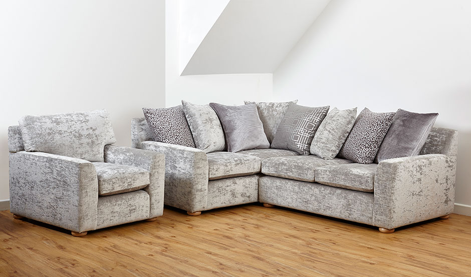 With Scatter Back Cushions