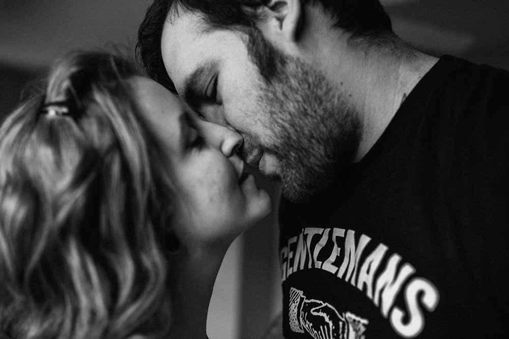 couple-kissing-black-white-copyright-Elisabeth-Waller.jpg