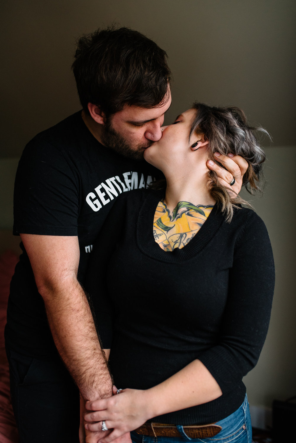 couple-with-tattoos-kissing-copyright-Elisabeth-Waller.jpg
