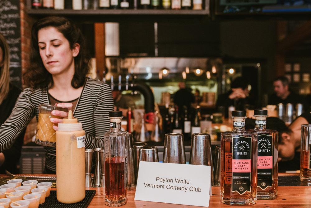 stonecutter-spirits-bartenders-mixing-drinks-©-Elisabeth-Waller_DSC0950.jpg