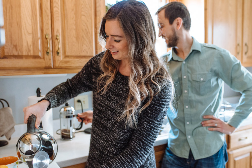 couple-making-tea-©-Elisabeth-Waller-3.jpg