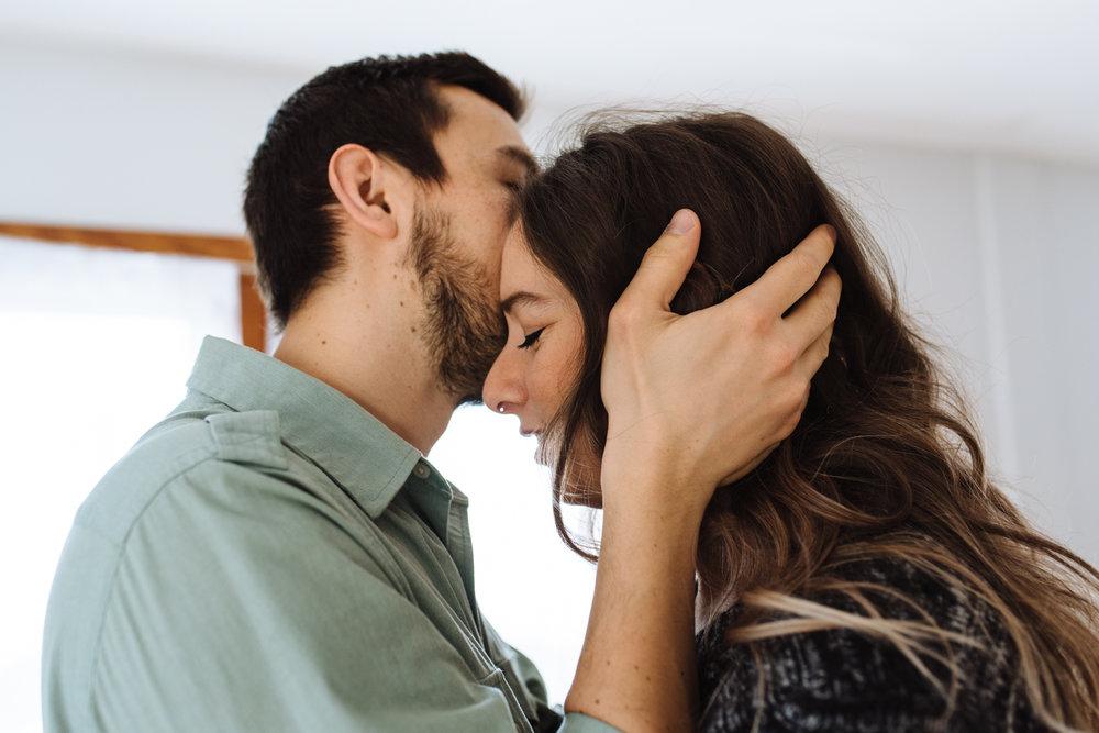 man-kissing-womans-forehead-©-Elisabeth-Waller-16.jpg