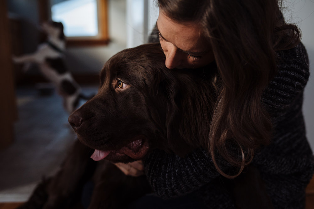 woman-kissing-dog-©-Elisabeth-Waller-53.jpg