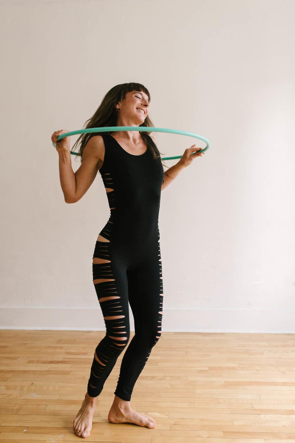 woman-with-hula-hoop-color-©Copyright-Elisabeth-Waller.jpg