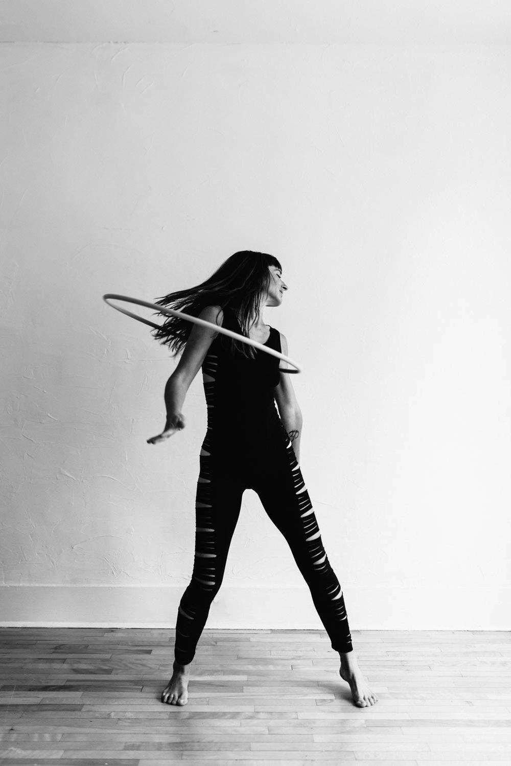 woman-with-hula-hoop-black-white-2©Copyright-Elisabeth-Waller.jpg
