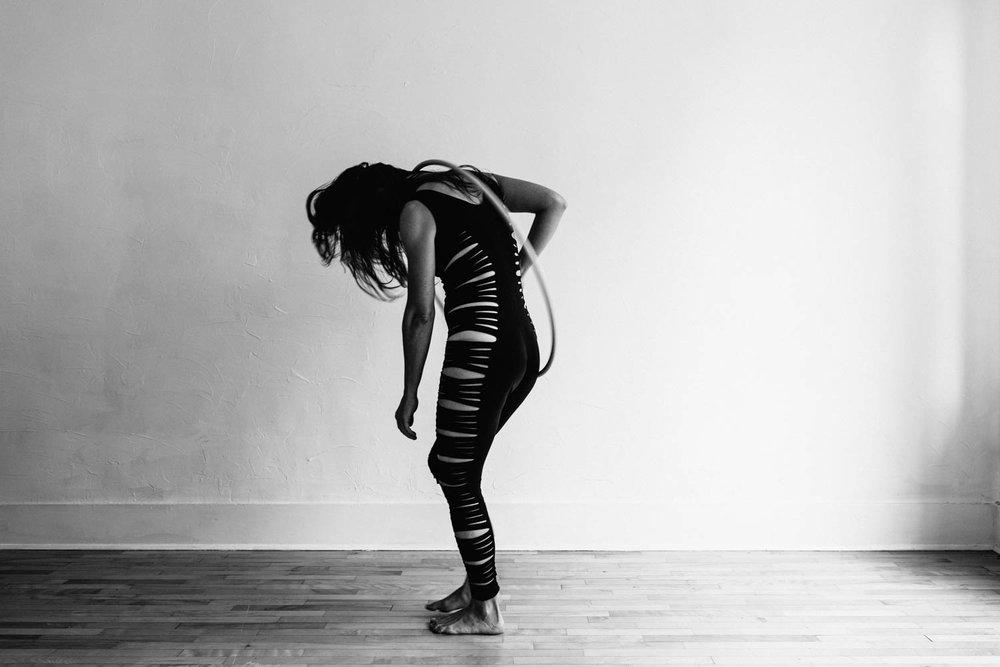 woman-with-hula-hoop-black-white-dance©Copyright-Elisabeth-Waller.jpg