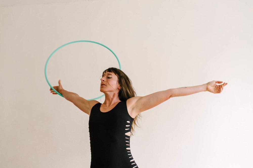 woman-with-hula-hoop-color-6-©Copyright-Elisabeth-Waller.jpg